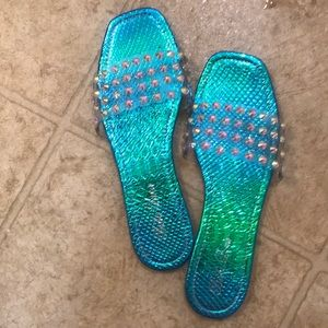 fashion nova sliders only worn once.